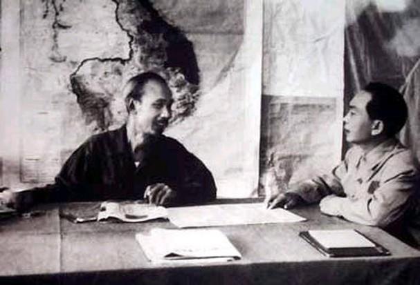 보 응우옌 잡 장군과 역사적 순간들 - ảnh 11