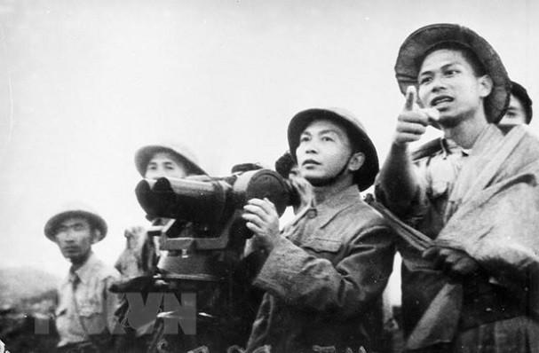 보 응우옌 잡 장군과 역사적 순간들 - ảnh 12