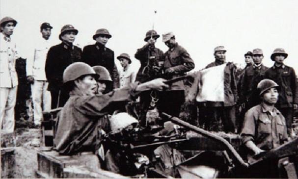 보 응우옌 잡 장군과 역사적 순간들 - ảnh 14