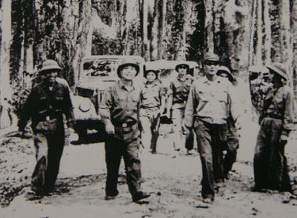 보 응우옌 잡 장군과 역사적 순간들 - ảnh 15