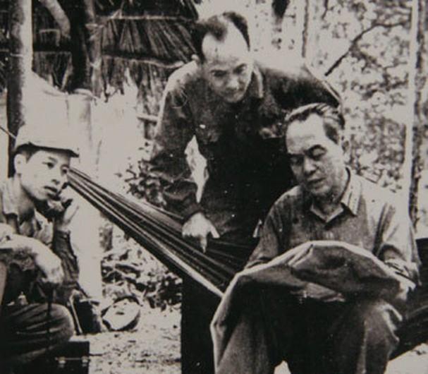 보 응우옌 잡 장군과 역사적 순간들 - ảnh 18