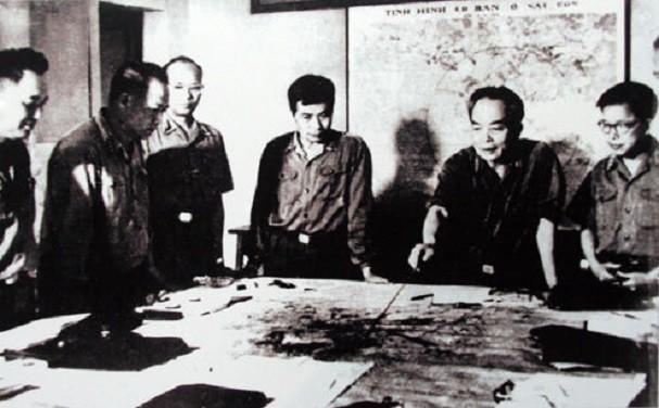 보 응우옌 잡 장군과 역사적 순간들 - ảnh 21