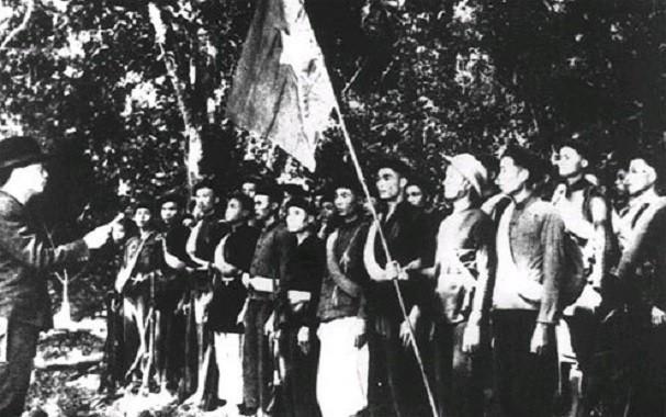 보 응우옌 잡 장군과 역사적 순간들 - ảnh 3