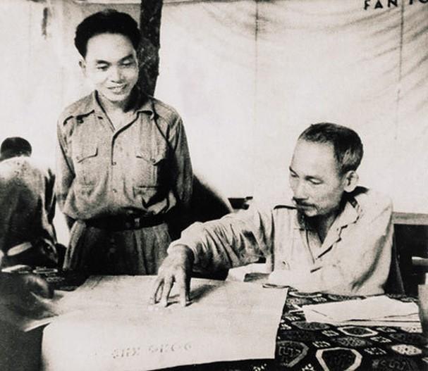 보 응우옌 잡 장군과 역사적 순간들 - ảnh 7