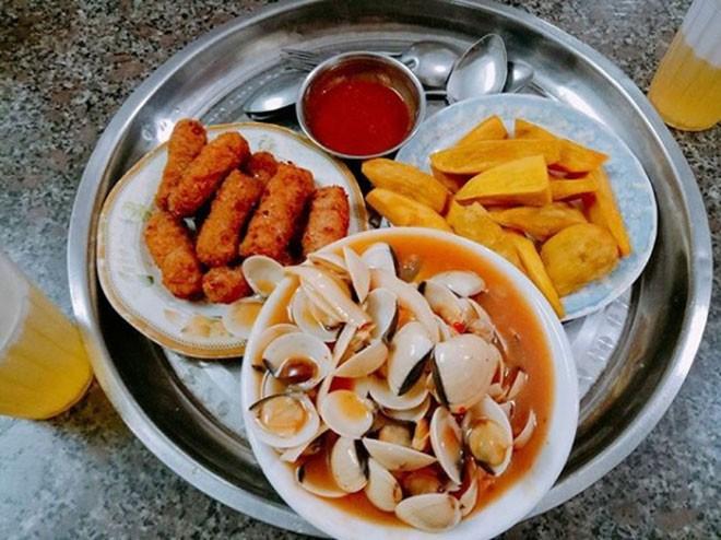 개학을 맞이하여 하노이에서 유명한 간식거리 탐방 - ảnh 2