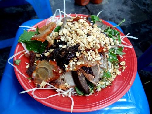 개학을 맞이하여 하노이에서 유명한 간식거리 탐방 - ảnh 1