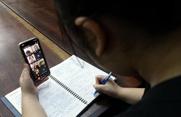 가난한 학생의 온라인 수업을 위한 인터넷 및 컴퓨터 - ảnh 1