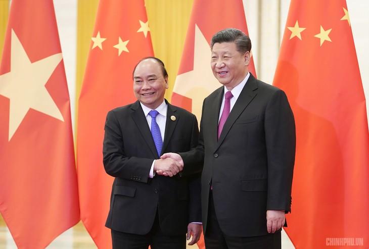 នាយករដ្ឋមន្រ្តីវៀតណាមលោក Nguyen Xuan Phuc អញ្ជើញជួបសវនាការ ជាមួយអគ្គលេខាបក្ស ប្រធានរដ្ឋចិនលោក Xi Jinping - ảnh 1