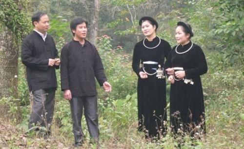 ចម្រៀងភូមិ Oi និងទំនៀមទម្លាប់ប្រគល់វត្ថុបញ្ចាំចិត្តរបស់ជនជាតិ Tay Nung - ảnh 2