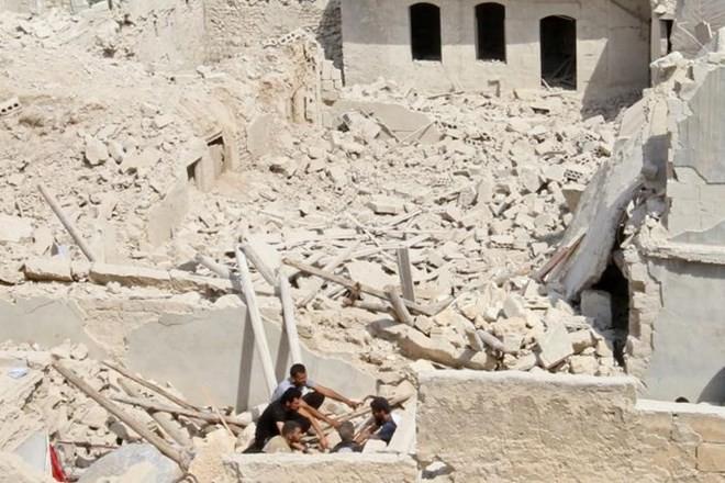 រុស្ស៊ីឯកភាពអនុវត្តបទឈប់បាញ់មនុស្សធម៌នៅទីក្រុង Aleppo ស៊ីរី  - ảnh 1