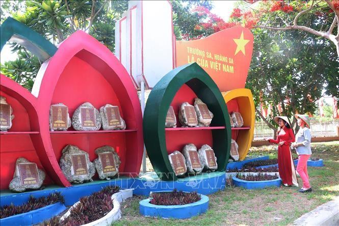 Banyak aktivitas memperingati ultah ke-130 Hari Lahir Presiden Ho Chi Minh di Situs Peninggalan Sejarah Doktor Muda Nguyen Sinh Sac  - ảnh 1