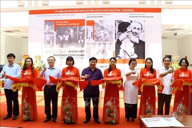 Memperingati ultah ke-130 Hari Lahir Presiden Ho Chi Minh: Perasaan warga berkiblat kepada Presiden Ho Chi Minh - ảnh 1