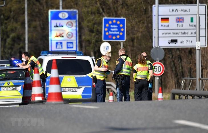 Wabah Covid-19: Jerman dan negara-negara V4 sepakat cepat menghapuskan pengontrolan perbatasan - ảnh 1