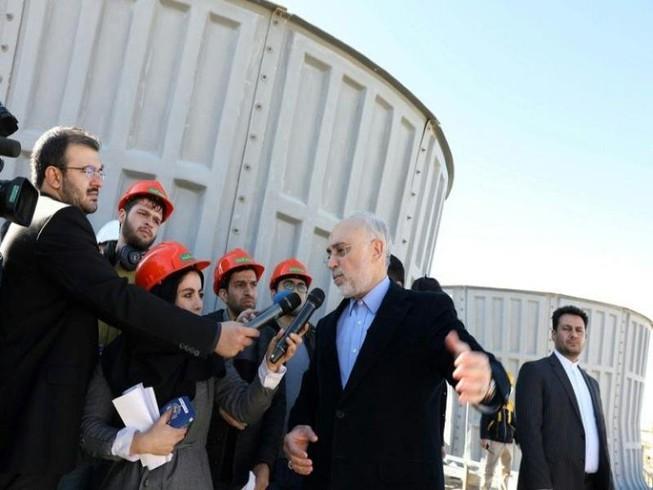 AS menghentikan pembebasan sanksi terhadap berbagai proyek yang bersangkutan dengan permufakatan nuklir Iran - ảnh 1