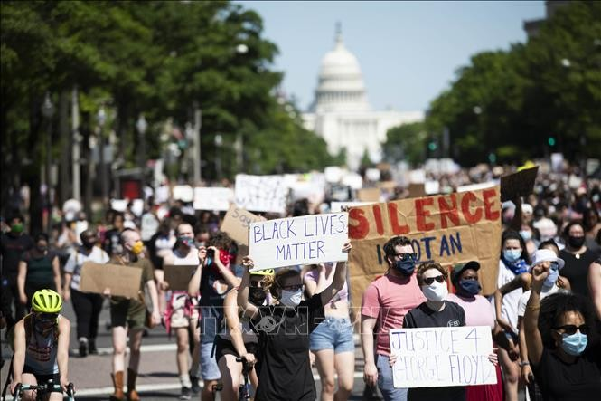 AS memperketat keamanan untuk mencegah gelombang demonstrasi - ảnh 1