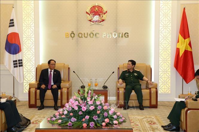 Memperkuat kerjasama pertahanan Vietnam – Republik Korea  - ảnh 1