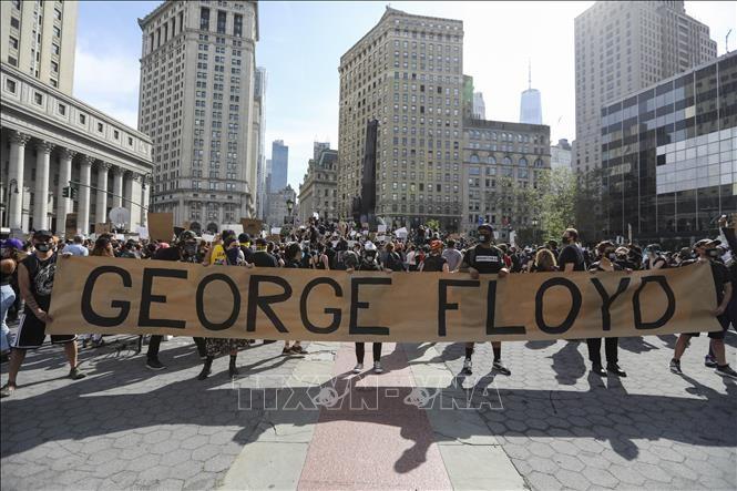Berbagai demonstrasi di AS terus berlangsung pada akhir pekan lalu - ảnh 1