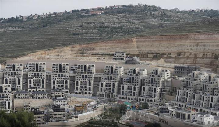 Mahkamah Agung Israel membatalkan UU yang melegalisasi zona-zona pemukiman penduduk di Tepi Barat - ảnh 1