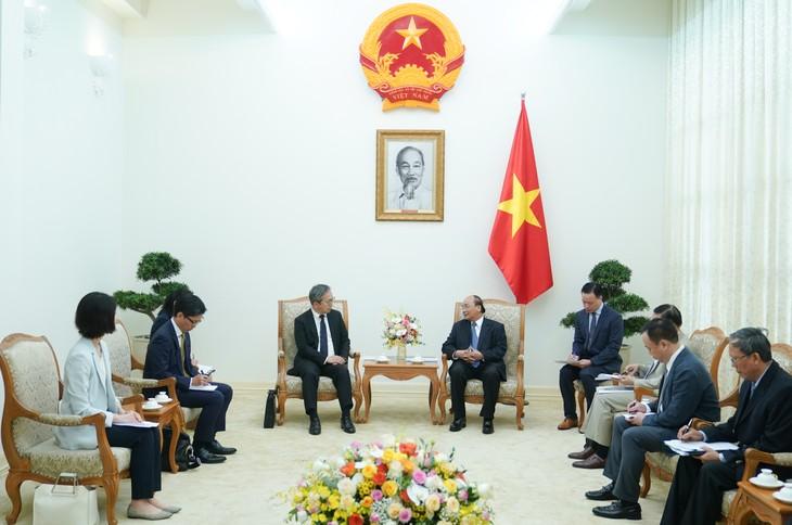 PM Nguyen Xuan Phuc: Vietnam selalu menganggap Jepang sebagai mitra penting papan atas - ảnh 1