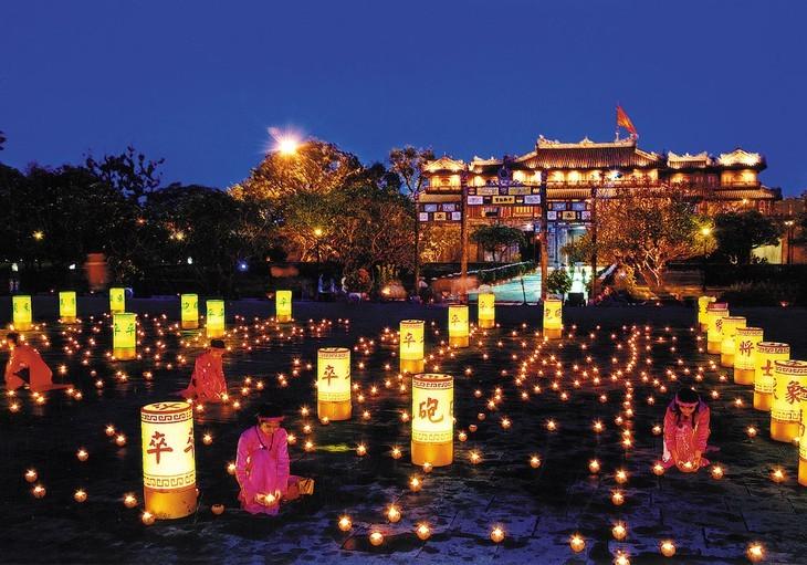 Terharu atas keindahan yang tenteram dan klasik dari Ibukota kuno Hue - ảnh 1