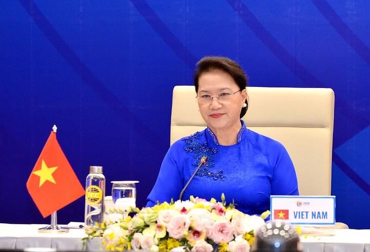 AIPA dan ASEAN berkoordinasi membawa ASEAN maju ke jalan perkembangan baru - ảnh 1