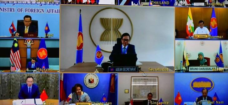 Konferensi Konsultasi Pejabat Senior ASEAN-Tiongkok Diadakan secara Virtual - ảnh 1