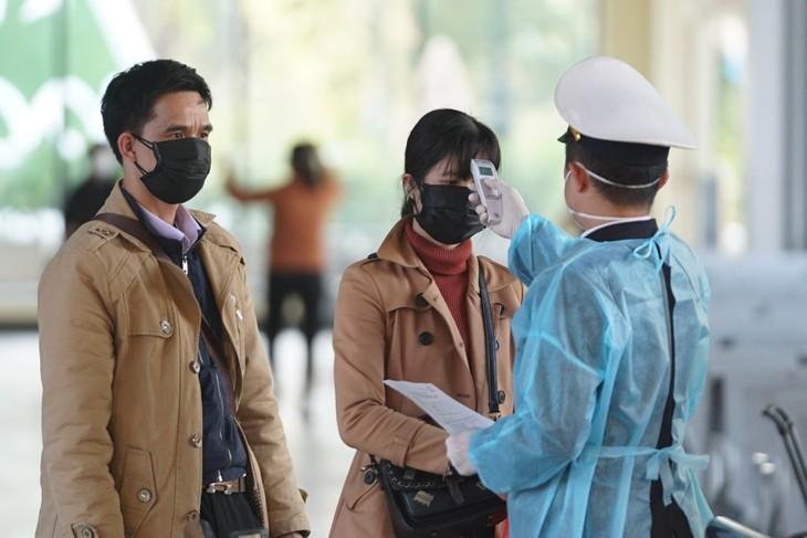 Vietnam dengan Gigih Tidak Membiarkan Terjadinya Gelombang Kedua Wabah Covid-19 - ảnh 1