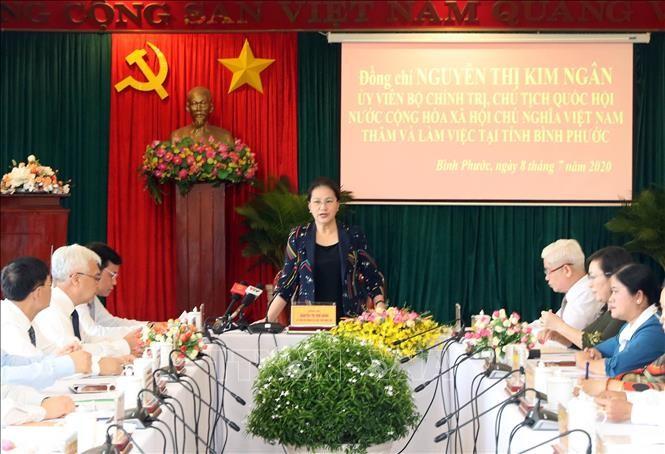 Ketua MN Nguyen Thi Kim Ngan melakukan sidang kerja dengan pimpinan Provinsi Binh Phuoc - ảnh 1