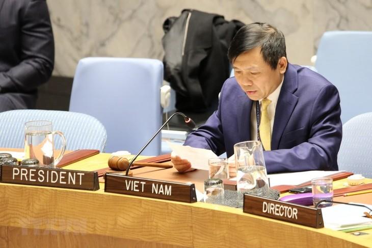 Vietnam menegaskan kembali dukungan terhadap Kolombia tentang pengawasan pelaksanaan permufakatan perdamaian - ảnh 1