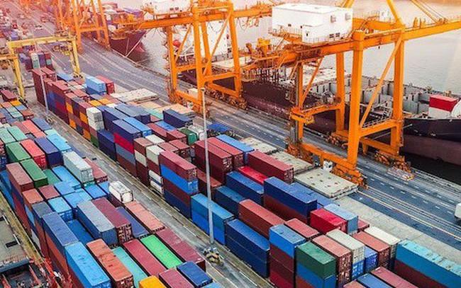 Surplus perdagangan Vietnam paruh pertama tahun ini jauh lebih tinggi dari pada prediksi - ảnh 1