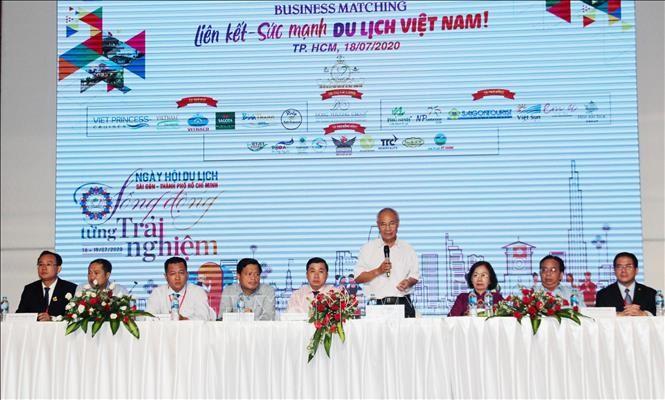 """Berbagai asosiasi pariwisata melakukan program kerjasama """"Konektivitas – Kekuatan pariwisata Vietnam"""" - ảnh 1"""