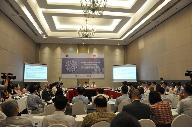 Vietnam berupaya mempercepat proses penelitian dan produksi vaksin Covid-19 - ảnh 1