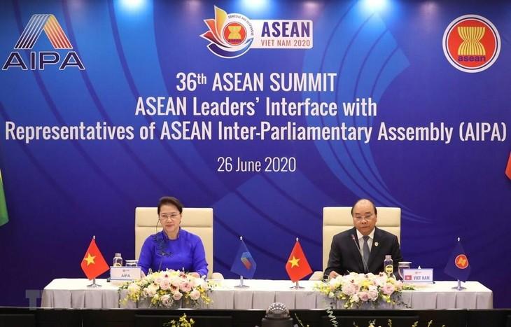 """25 tahun masuknya Vietnam ke dalam ASEAN: Vietnam menjadi """"teladan"""" yang mencerminkan cita-cita dan nilai ASEAN  - ảnh 1"""