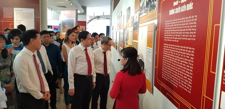 """Pembukaan pameran tematik: """"Vietnam - Kemerdekaan, kemandirian"""" - ảnh 1"""