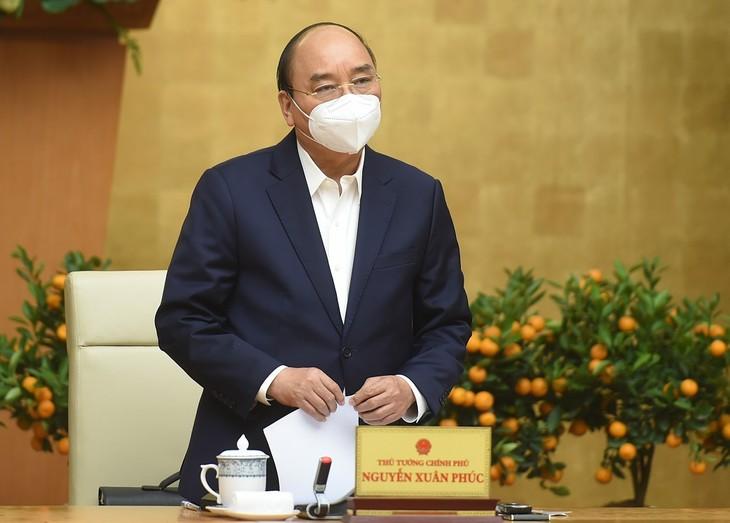PM Nguyen Xuan Phuc Beri Pimpinan kepada Daerah-Daerah yang Terjadi Wabah Covid-19 bisa Melakukan Pembatasan Sosial - ảnh 1
