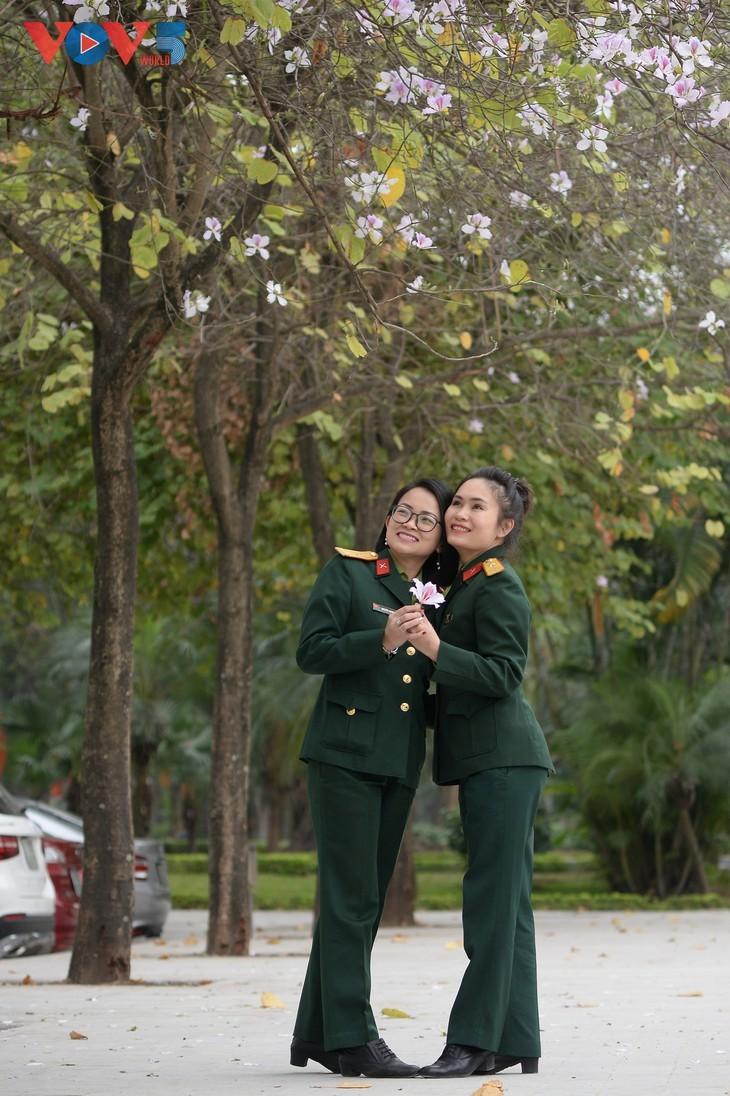Bunga Ban Bermekaran Lebih Dini di Kota Ha Noi - ảnh 4