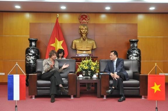 Listrik Tenaga Angin Lepas Pantai dan Ekonomi Sirkular: Peluang Kerja Sama Vietnam-Belanda - ảnh 1