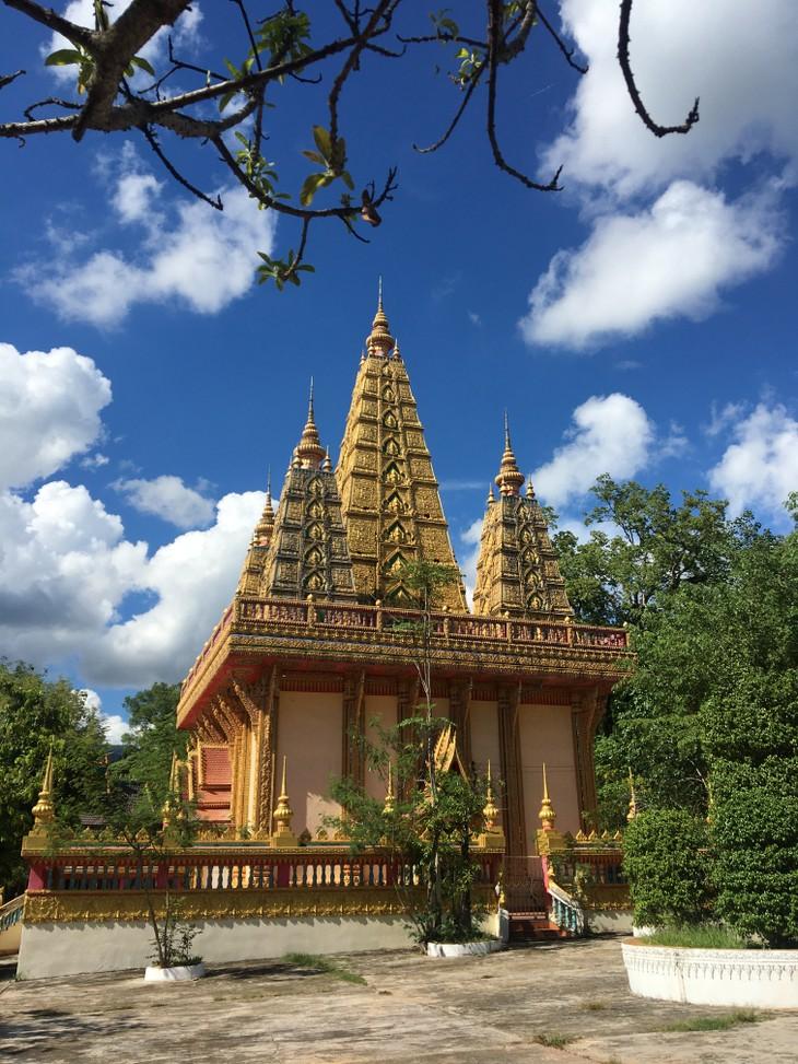 Menguak Tabir Phoukhaukhoai – Pagoda di Tengah Hutan Laos - ảnh 1