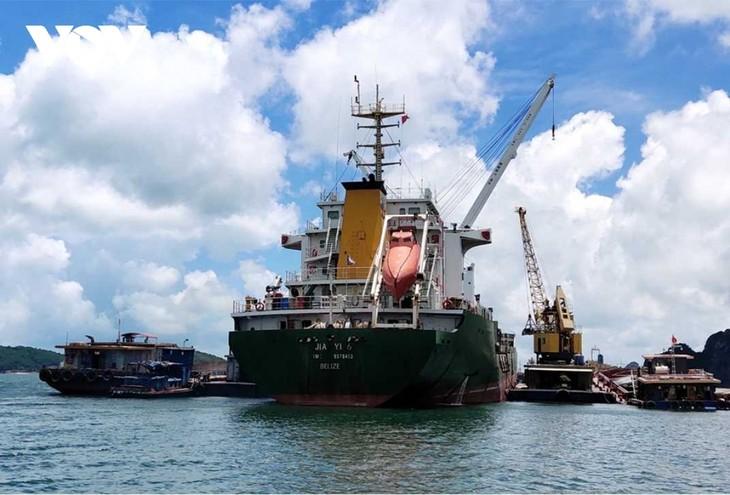 Provinsi Quang Ninh Berfokus Menyerap Investasi pada Sistem Pelabuhan Laut - ảnh 1