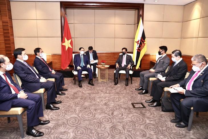 PM Pham Minh Chinh Lakukan Pertemuan dengan Sultan Brunei Darussalam, Haji Hassanal Bolkiah - ảnh 1