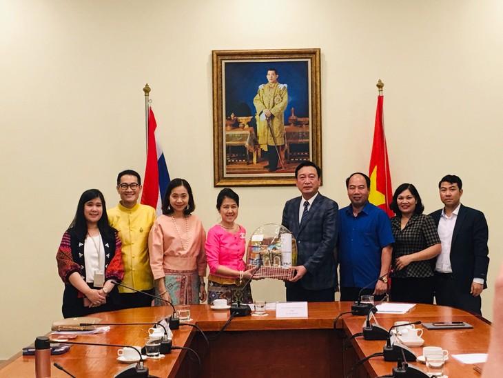 Vietnam dan Thailand Bekerja Sama Mengembangkan Komunitas secara Berkelanjutan dengan Filsafat Ekonomi Kecukupan - ảnh 1