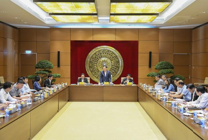 Terus Tingkatkan Efektivitas Aktivitas Komisi Hubungan Luar Negeri dalam Masa Bakti MN Angkatan XV - ảnh 1