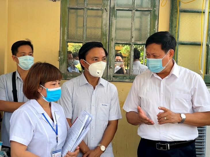 Rombongan Kerja Badan Pengarahan Nasional urusan Pencegahan dan Pengendalian Wabah Covid-19 Lakukan Kunjungan Kerja di Provinsi Thai Binh - ảnh 1