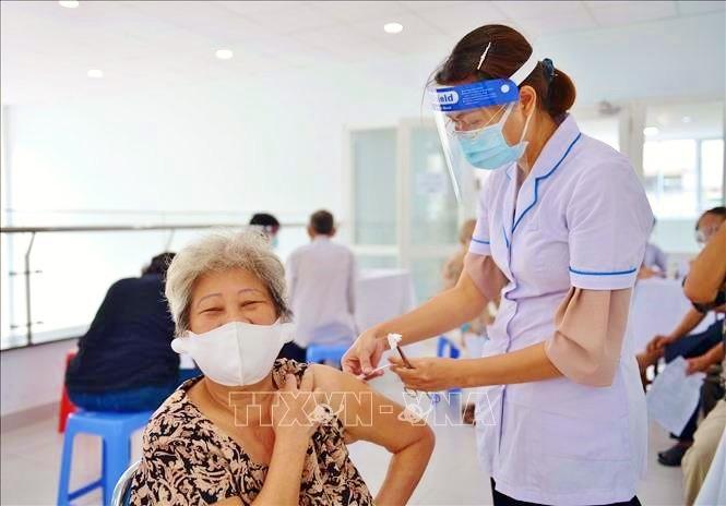 Vietnam Rawat dan Lindungi Kaum Lansia di Tengah Pandemi Covid-19 - ảnh 1