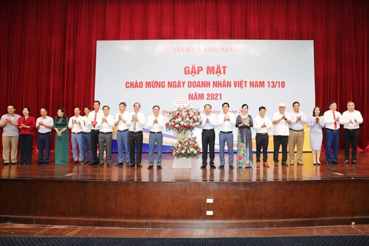 Temu Muka dengan Badan Usaha Sehubungan dengan Peringatan Hari Wirausaha Vietnam - ảnh 1