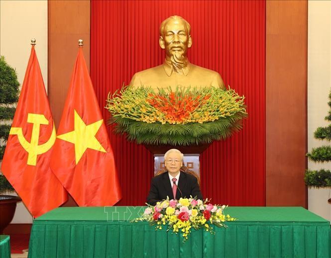 Sekjen Nguyen Phu Trong Adakan Pembicaraan Telepon dengan Sekretaris Pertama Partai Komunis Kuba - ảnh 1
