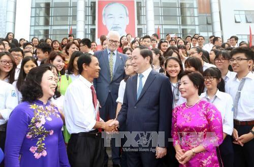 越南全国2200万学生参加2016-2017新学年开学典礼 - ảnh 1