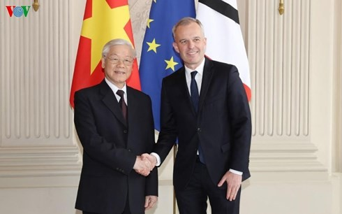 阮富仲会见法国国民议会议长弗朗索瓦•德•鲁吉 - ảnh 1