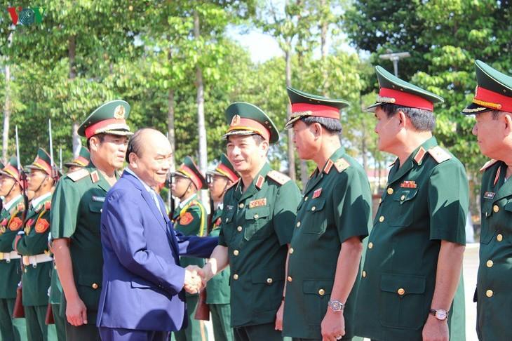 阮春福总理探望第9军区并拜年 - ảnh 1