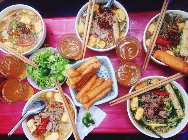 品尝征服国际食客并入选亚洲最佳食品的越式蟹汤米线 - ảnh 2
